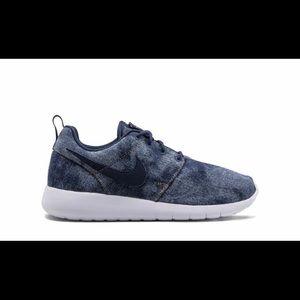 NIKE Roshe One SE sneakers